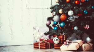christmas-tree-presents-stock-today-151210-tease_09c2f5d09dac7ddfc1783a11be7bdae9